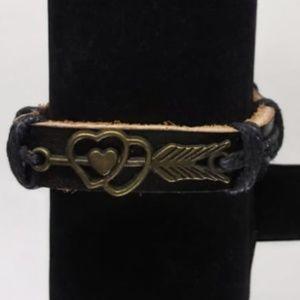 New unisex Leather Arrow Heart Bracelet
